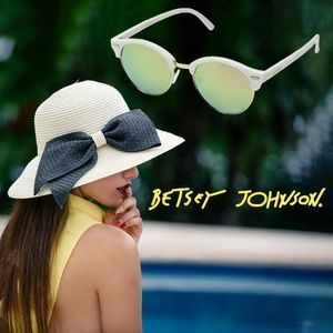 Betsey Johnson Luv Betsey